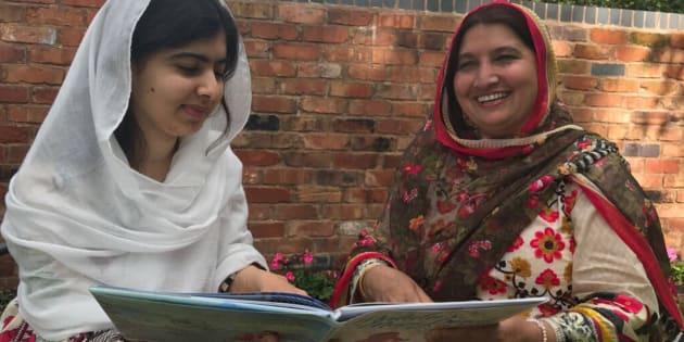 Malala y su madre, Toor.