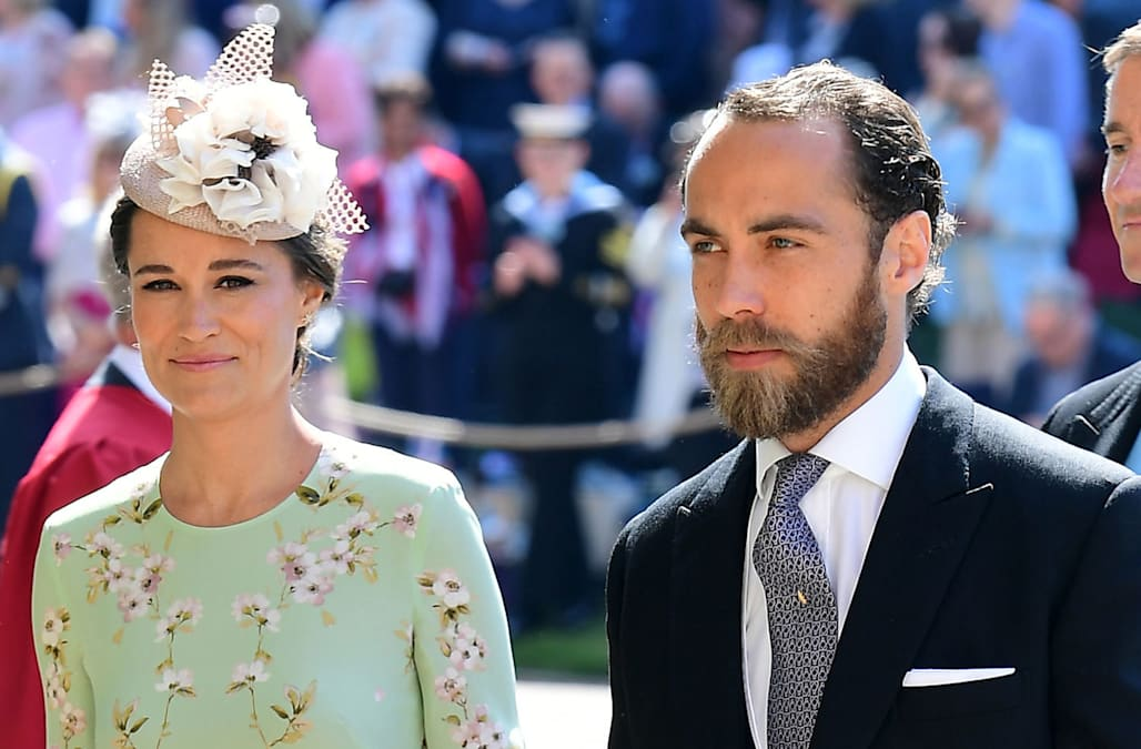 Royal Wedding Photos 2018.Royal Wedding 2018 Pregnant Pippa Middleton Turns Heads In Floral