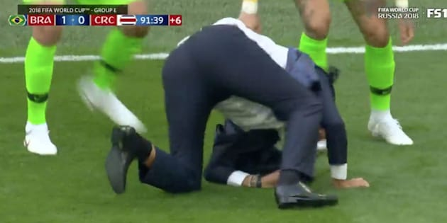 Coupe du Monde 2018: La chute mémorable du sélectionneur du Brésil Tite après le but victorieux de Coutinho