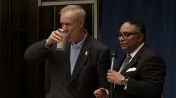 Ce gouverneur américain a bu du chocolat au lait pour une excellente