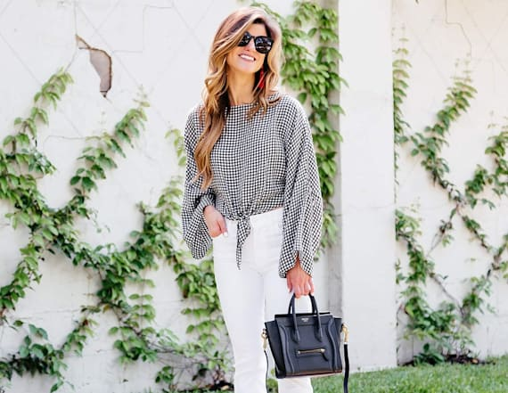 Street style tip of the day: White cropped jeans