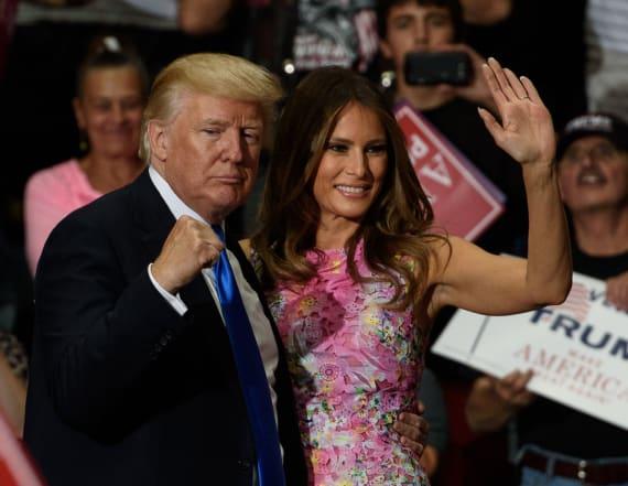 Melania gets back rub from Trump at Ohio rally