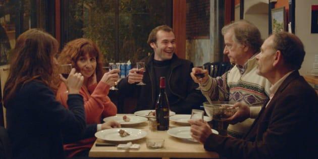 """De gauche à droite, Anaïs Demoustier, Ariane Ascaride, Robinson Stévenin, Gérard Meylan et Jean-Pierre Darroussin, dans """"La Villa"""" du réalisateur Robert Guédiguian, sortie le 29 novembre 2017."""