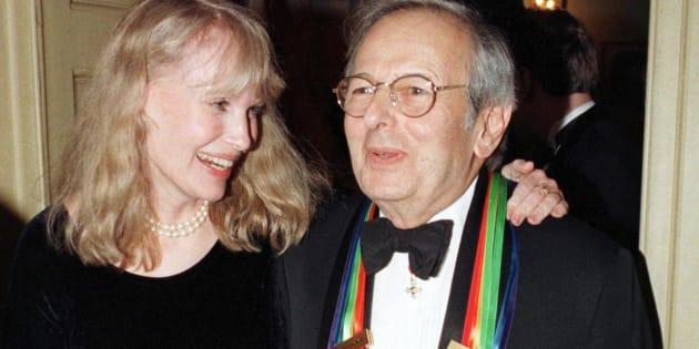 André Previn, ici avec Mia Farrow en décembre 1998, est mort à 89 ans.