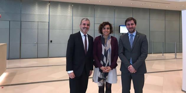 Jaume Collboni, teniente de alcalde de Barcelona; Dolors Montserrat, la ministra de Sanidad; y Antoni Comín, 'conseller' del ramo en Cataluña, en una visita reciente a la Agencia Europea del Medicamento.
