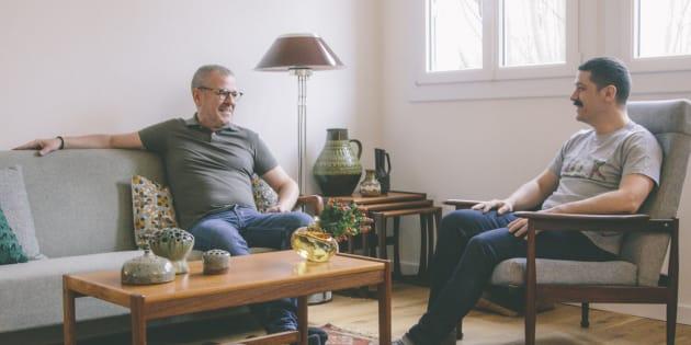 フランスで同性婚をしたジャン=クリストフ・ドルボーさん(左)と、ガエル・ロジェさん