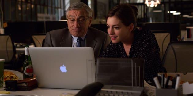 Ideia de contratar idosos é reproduzida no filme 'O estagiário', com Robert De Niro e Anne Hathaway