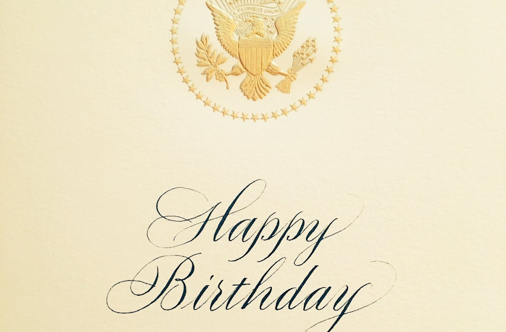 Tiny Mark On Melania Trumps Birthday Card To Donald Trump Sparks