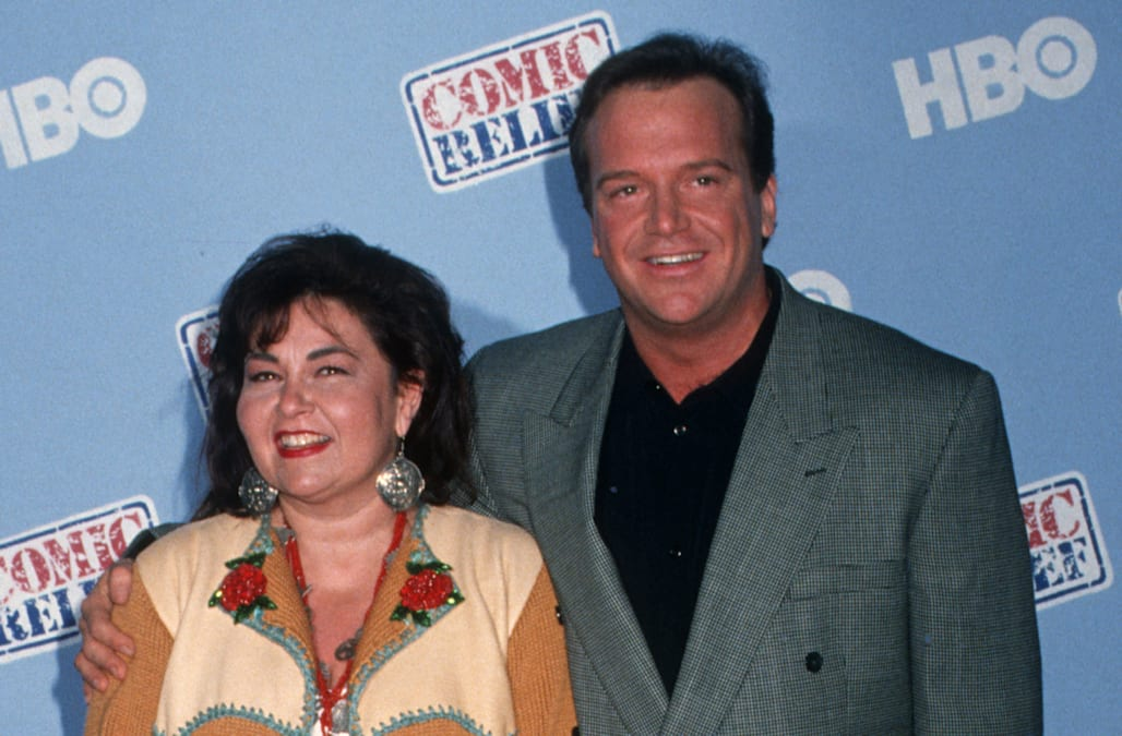 tom arnold says exwife roseanne barr is obviously a