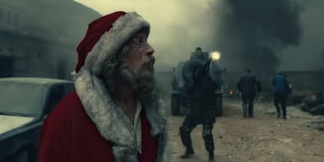 Santa Claus debe buscar a una niña que sobrevive en un campo de guerra. Esto es lo que sucede.