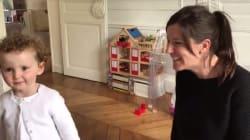 À deux ans, cette fillette sourde sait déjà lire les échographies de sa