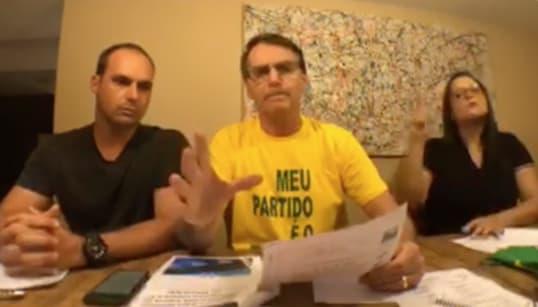 Bolsonaro nega esquema no WhatsApp e xinga Haddad: