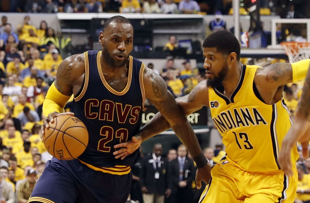 4bcdbb7d484f LeBron James scores 33 as Cavaliers sweep Pacers - AOL News