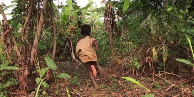 Partout au Kasaï, les histoires se ressemblent. Lorsque les violences ont débuté, des familles se sont sauvées dans la forêt, fuyant parfois à trois ou quatre reprises, et ce, même au beau milieu de la nuit.