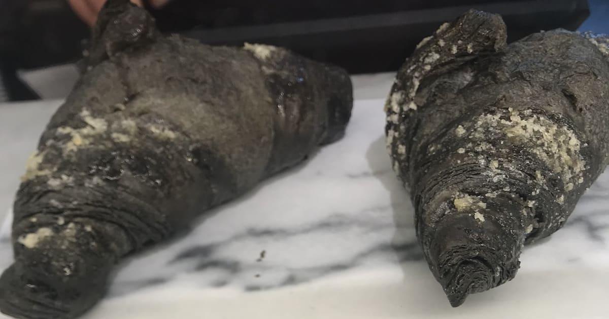 Ces croissants vegan au charbon actif (oui oui) ont fait hurler les puristes