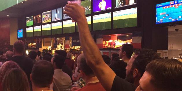 Francis Lalanne a vu le match France-Australie... en Australie