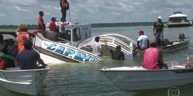 O barco Capitão Ribeiro transportava clandestinamente passageiros no rio Xingu.