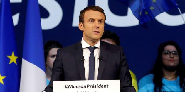 Avec Emmanuel Macron, l'école est notre combat premier! REUTERS/Stephane Mahe