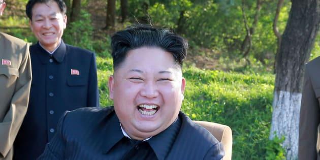 """Kim Jong-un déclare que son missile était un """"cadeau"""" aux """"salauds d'Américains"""""""