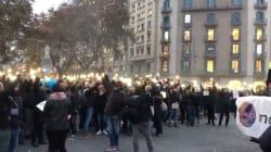 Unos 200 mossos cortan la Gran Vía de Barcelona para exigir la devolución de sus