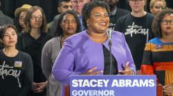 Abrams no será la primera gobernadora negra de EU; desiste de su lucha