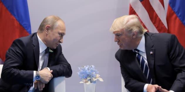 Imagen de archivo del presidente ruso, Putin (izq), y su homólogo estadounidense, Trump (der).