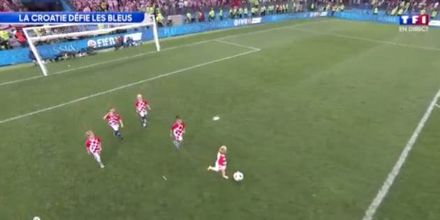 Croatie-Angleterre à la Coupe du monde: Les enfants des joueurs croates ont aussi montré leur talent balle au pied.