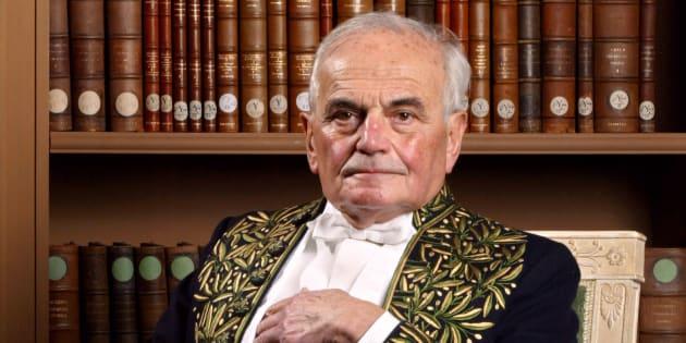 L'Académicien Michel Déon souhaitait être enterré à Paris: ce ne sera pas possible.