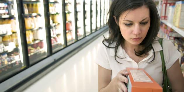 Según los expertos, el modelo de etiquetado de alimentos de Chile facilita la lectura de valor nutricional.