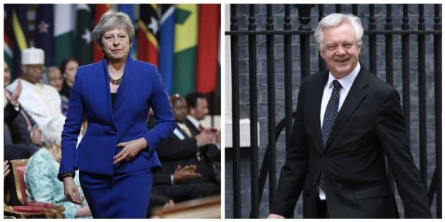 Combo con las imágenes de Theresa May y David Davis.