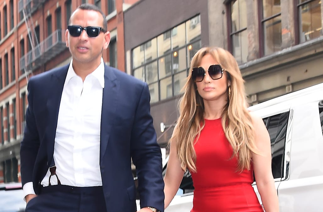 5a211220795a29 Jennifer Lopez campaigns for boyfriend Alex Rodriguez to be the next New  York Yankees manager