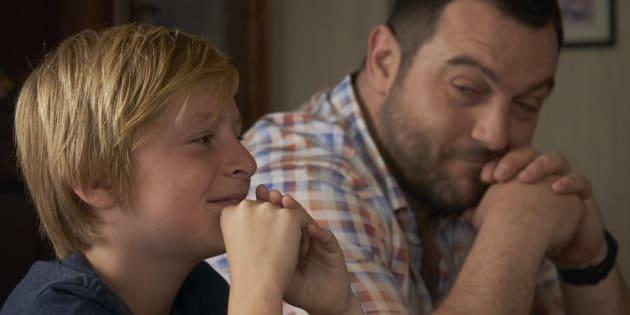 """Le jeune acteur Thomas Gioria et Denis Ménochet, dans le film """"Jusqu'à la garde"""" sur les violences faites aux enfants."""