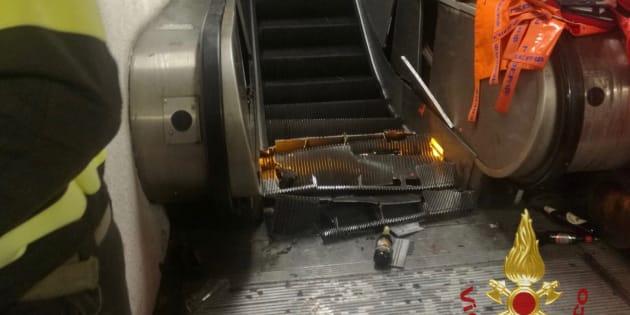 Cede la scala mobile nella metro di Roma