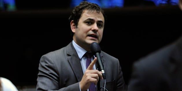 O deputado federal Glauber Braga (PSOL-RJ), em discurso no plenário da Câmara.