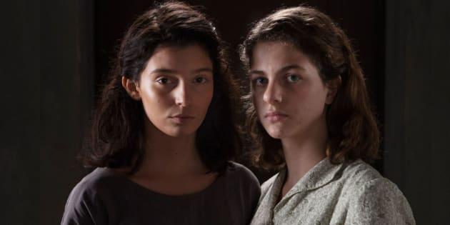 Gaia Girace (à esquerda) e Margherita Mazzucco interpretam Raffaella Cerullo, a Lila, e Elena Grego, a Lenu, respectivamente.