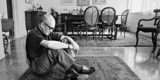 Quando iniciei o meu caminho literário, Drummond era fácil, amigável, inteligível e um poeta das palavras e construções convidativas.
