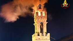 Brucia la Torre del Mangia a Siena, due vigili in borghese e un volontario della Croce Rossa evitano il