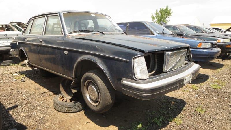 Junkyard Gem 1976 Volvo 264 Gl Autoblog