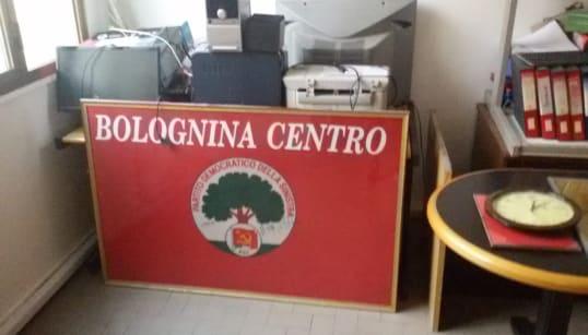 SFRATTATO IL PD DALLA BOLOGNINA - La sede è di nuovo simbolo, ma di un partito in