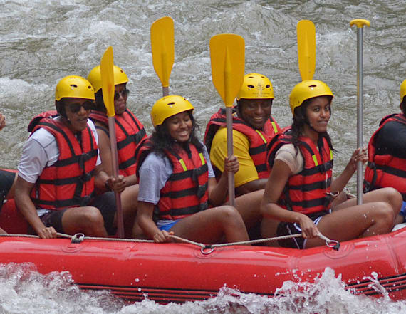 Obamas face rough waters during family trip in Bali