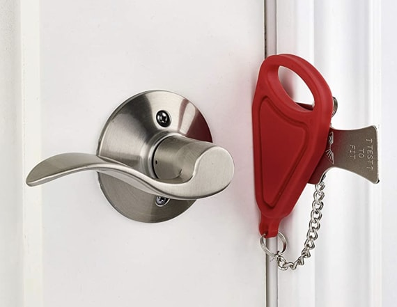 This door-locking device keeps intruders out