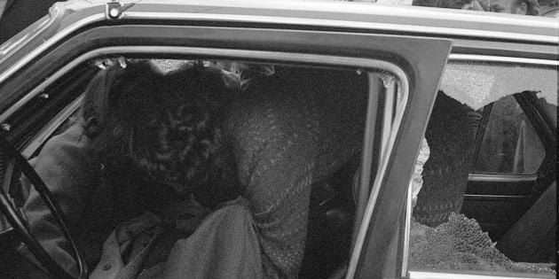 Il corpo del presidente della Regione Sicilia Piersanti Mattarella ucciso dalla mafia in via Liberta', Palermo, il 6 gennaio 1980. ANSA