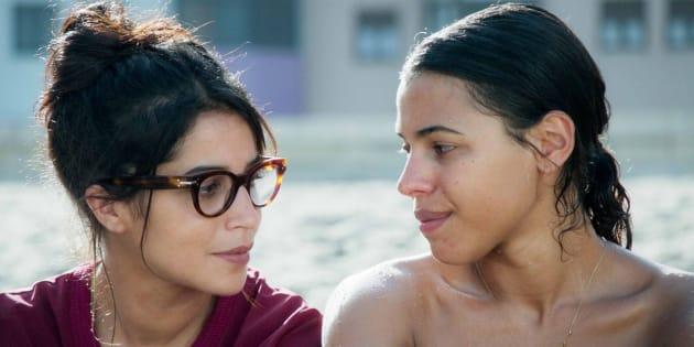 Leïla Bekhti et Zita Hanrot, sœurs et comédiennes rivales dans le film des frères Renier sorti dans les salles obscures ce 28 mars.