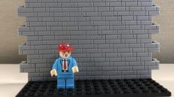 Este juguete invita a los niños a construir un muro que impida el paso de