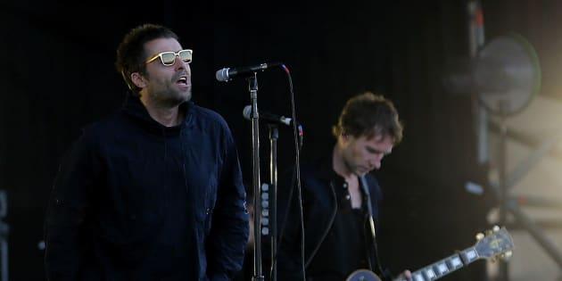 """Liam Gallagher forcé d'interrompre son concert au festival Lollapalooza, au Chili, ce 18 mars à cause d'une """"infection thoracique""""."""
