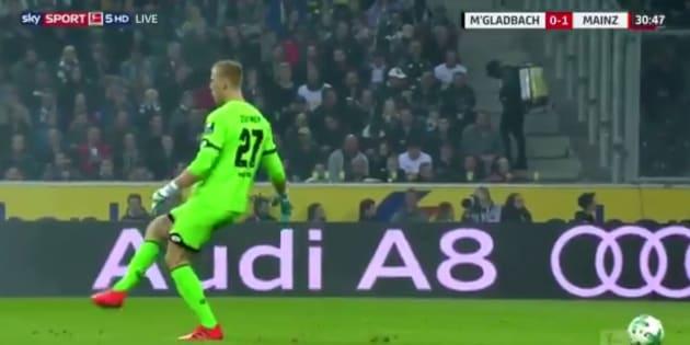 Le bug de ce gardien d'une équipe de football allemande est digne d'un jeu vidéo