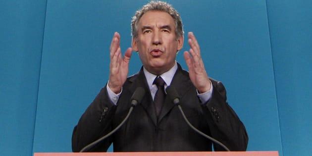 """Pour Bayrou, Fillon n'a """"pas d'autre solution"""" que de se retirer de la présidentielle"""