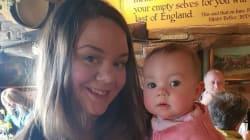 カフェで授乳した女性が店から追い出されて激怒。ネット上では物議醸す