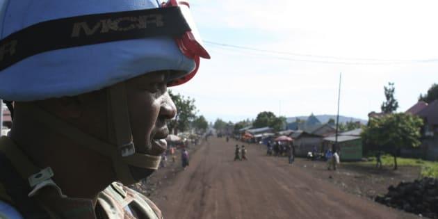 Un casco azul de la ONU procedente de Sudáfrica, patrullando en Goma (RDC), en una imagen de archivo.