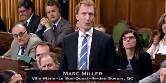 """Un député canadien s'exprime dans la langue des Indigènes """"pour leur témoigner son respect"""" à l'Assemblée"""